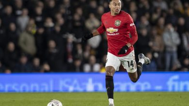 Photo of Manchester United midfielder Jesse Lingard admits to 'not pushing myself' however is hungry to show himself when Premier League returns