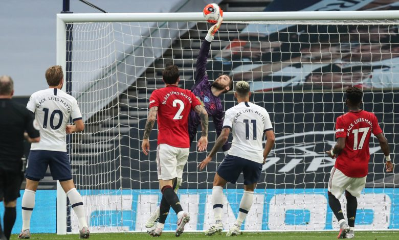 Manchester United news LIVE: Fernandes penalty salvages draw against Tottenham but Keane is fuming at De Gea and Maguire