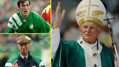 Photo of Jack Charlton, Tony Cascarino and the Pope – Shaggy dog story about when Republic of Eire crew met His Holiness at 1990 World Cup