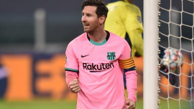 Photo of Barcelona poke enjoyable at Cristiano Ronaldo and Juventus by claiming that Lionel Messi is actual 'GOAT' after Argentine celebrity dazzles in Champions League victory