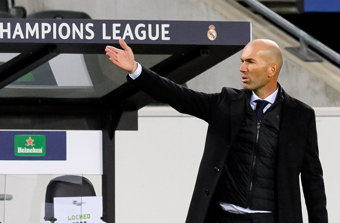 Real Madrid boss Zinedine Zidane says relationship between Karim Benzema and Vinicius Junior is 'perfect' after half-time controversy in Borussia Monchengladbach draw