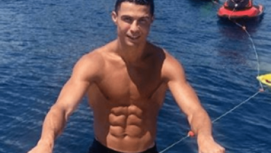 Photo of Cristiano Ronaldo backed to play on till he's 41 and break all-time scoring document, as former Manchester United coach hails 'the perfect athlete'