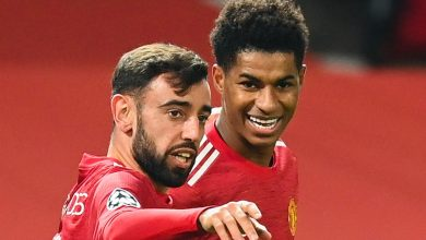 Photo of Manchester United midfielder Bruno Fernandes offers up likelihood of first-half Champions League hat-trick at hand Marcus Rashford penalty as a substitute