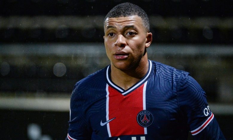 Kylian Mbappe speaks out to give update on PSG future as he reveals talks with club amid possible contract extension, despite previous links to Liverpool and Real Madrid