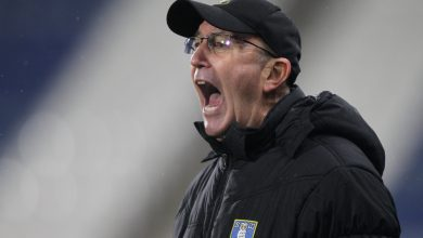 Photo of Sheffield Wednesday proprietor Dejphon Chansiri lays into Tony Pulis in explosive two-hour press convention calling sacked supervisor 'hassle' and a 'mistake'