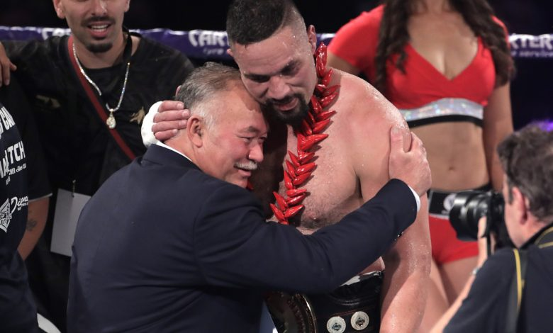 Joseph Parker handed generous points win over Junior Fa to set up possible Derek Chisora clash as boxing MC announces Auckland lockdown during card
