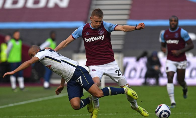 Tomas Soucek labelled the Premier League's 'best box-to-box midfielder' as stunning stat about West Ham star emerges